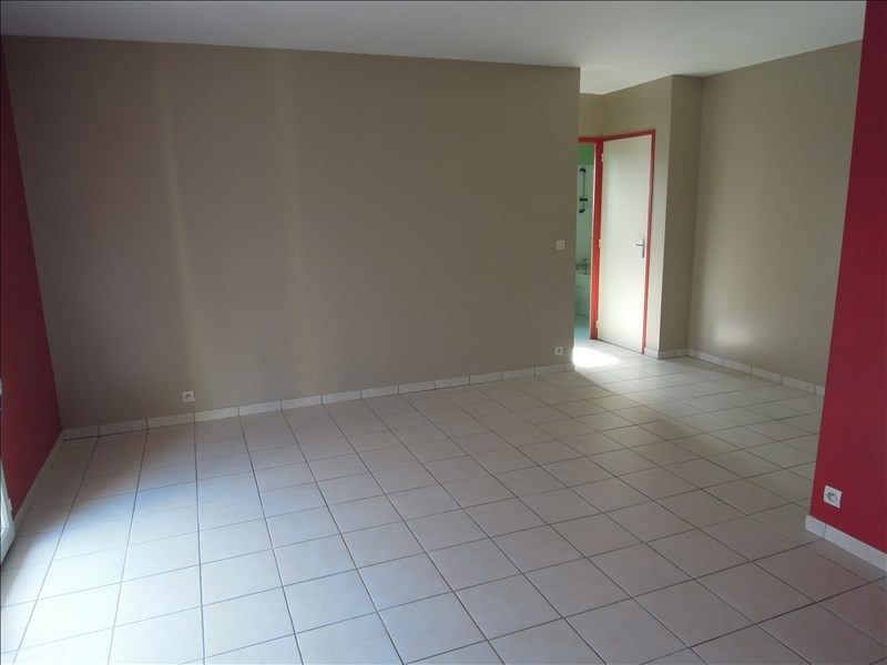 Rental apartment Crepy en valois 700€ CC - Picture 1