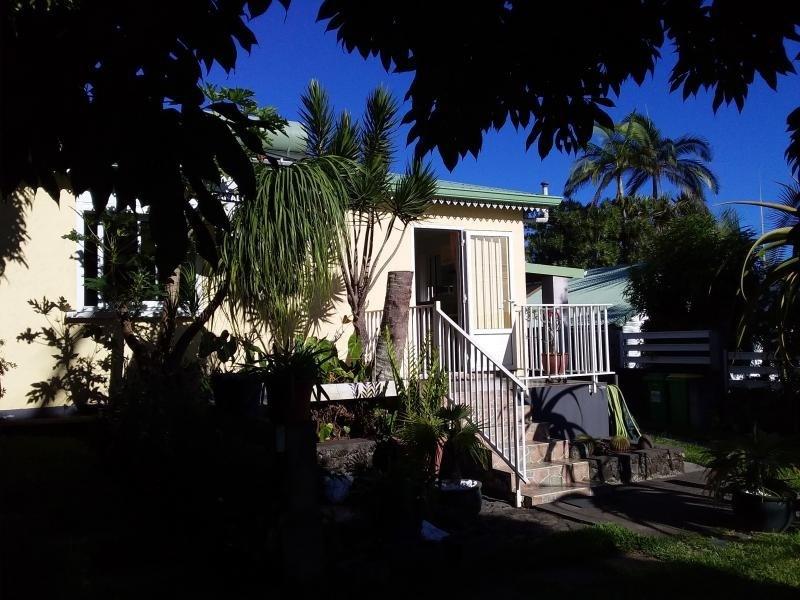 Sale house / villa Mont vert 254000€ - Picture 1