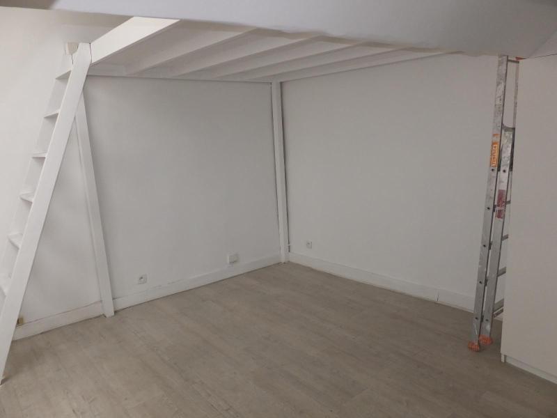 Location appartement Paris 1er 1250€ CC - Photo 5