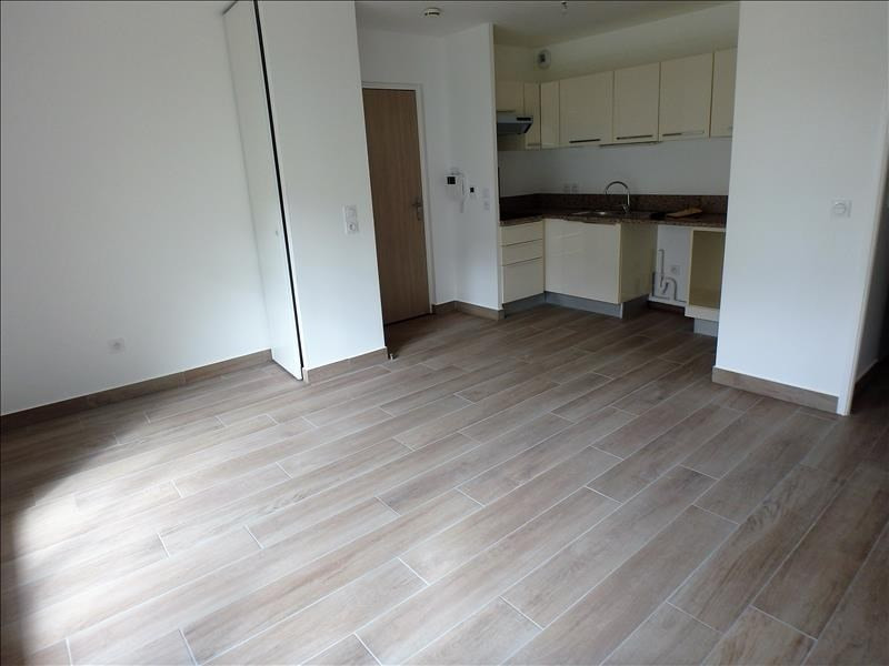 Location appartement Buc 1 233€ CC - Photo 2