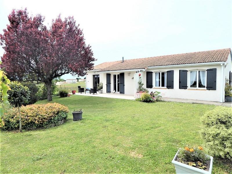 Sale house / villa Semussac 275000€ - Picture 1