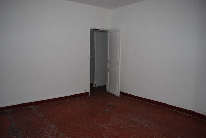 Rental apartment Marseille 6ème 490€ CC - Picture 2