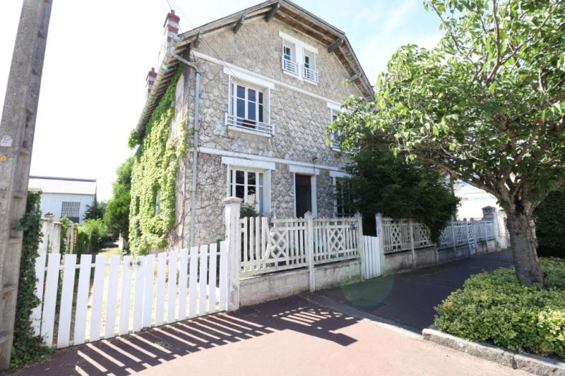 Sale house / villa Montargis 169900€ - Picture 1
