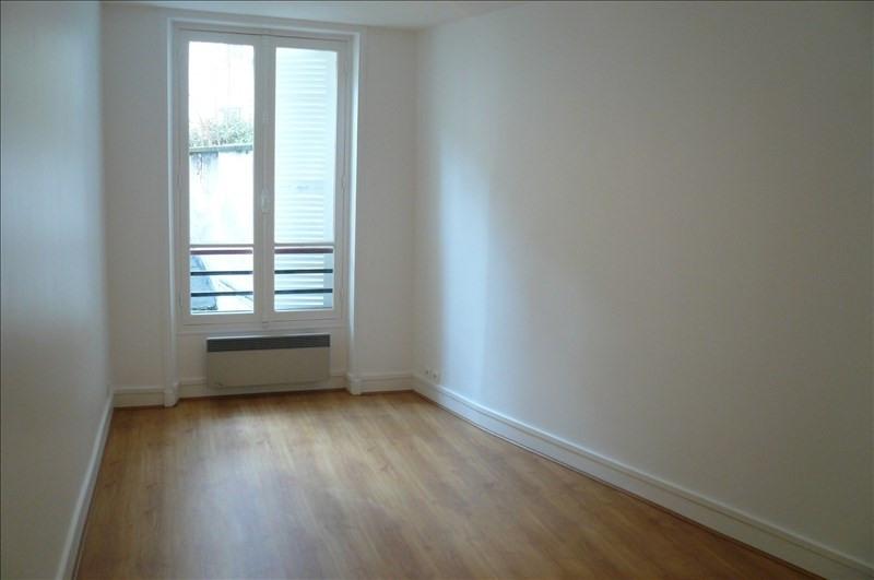 Rental apartment Paris 15ème 1150€ CC - Picture 2