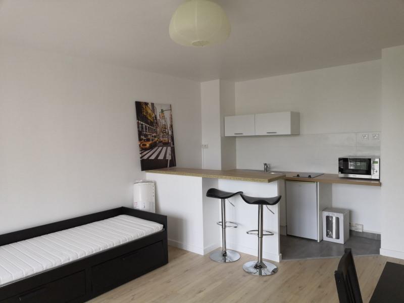 Rental apartment Fresnes 720€ CC - Picture 3