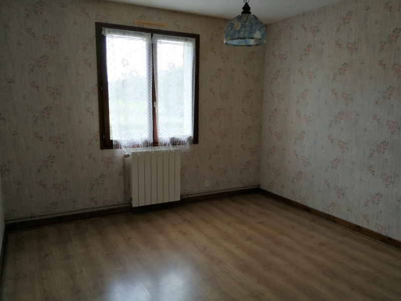 Sale house / villa St gelais 111 900€ - Picture 3