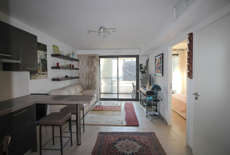 Sale apartment Nice 330000€ - Picture 2