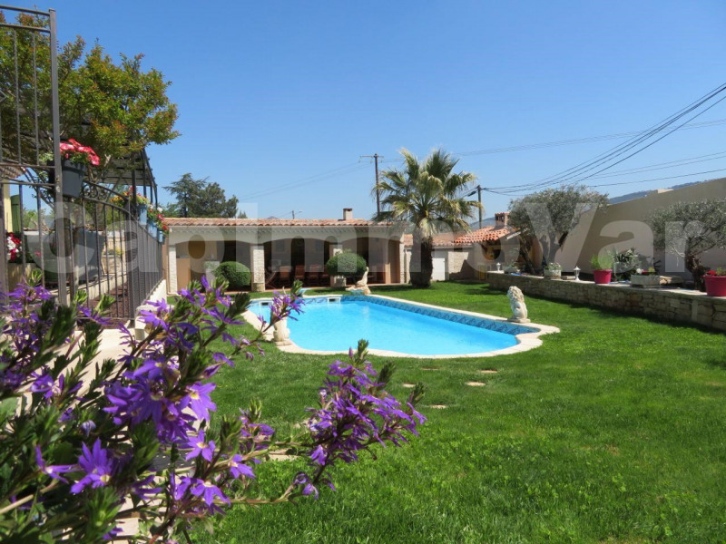 Deluxe sale house / villa Cuges-les-pins 629 000€ - Picture 2