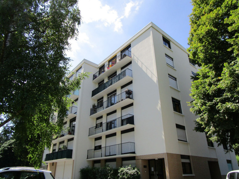 Rental apartment Rueil-malmaison 817€ CC - Picture 2