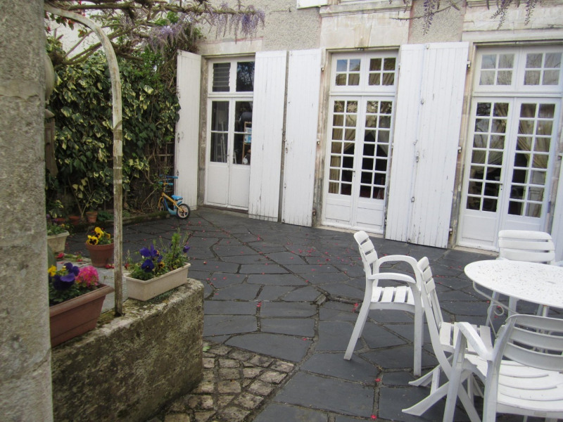 Sale house / villa Barbezieux-saint-hilaire 178 000€ - Picture 2
