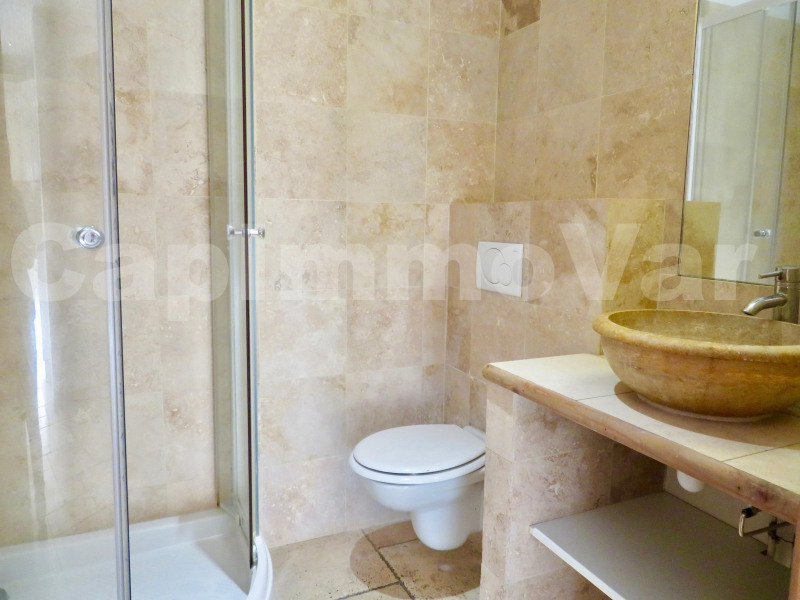 Rental apartment Le beausset 690€ CC - Picture 3