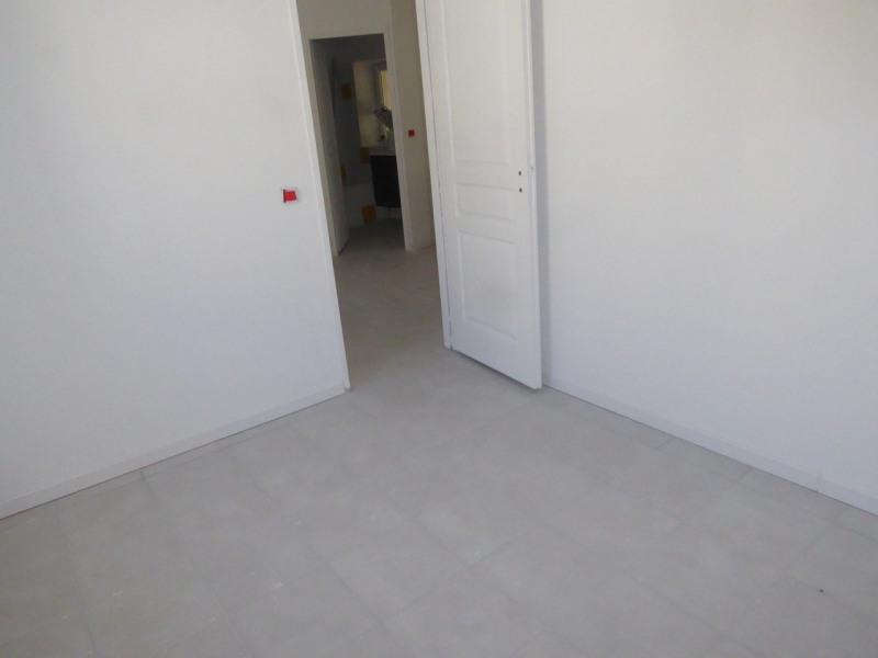 Location appartement Saint-étienne-de-fontbellon 490€ CC - Photo 6