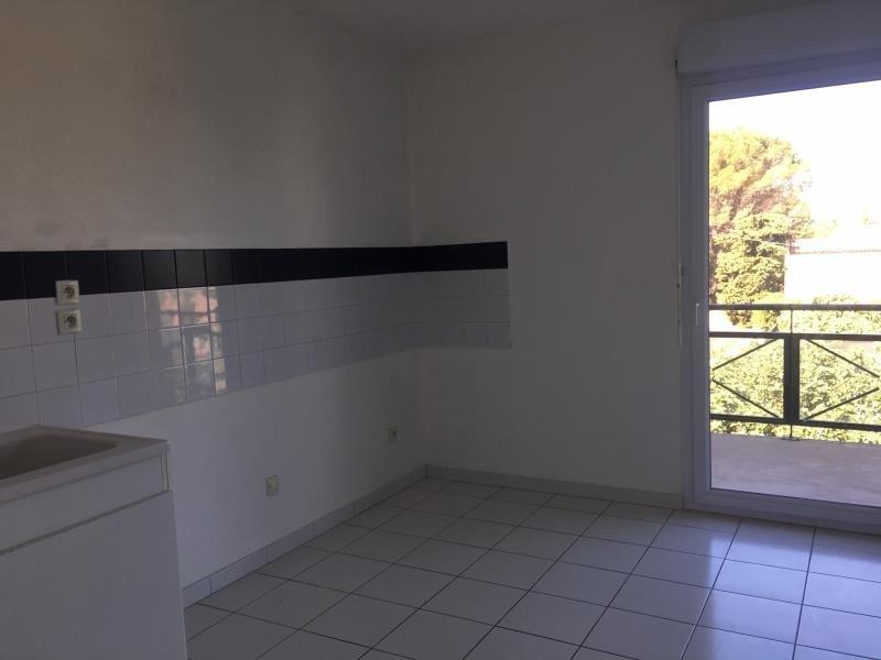 Rental apartment Salon de provence 759€ CC - Picture 4