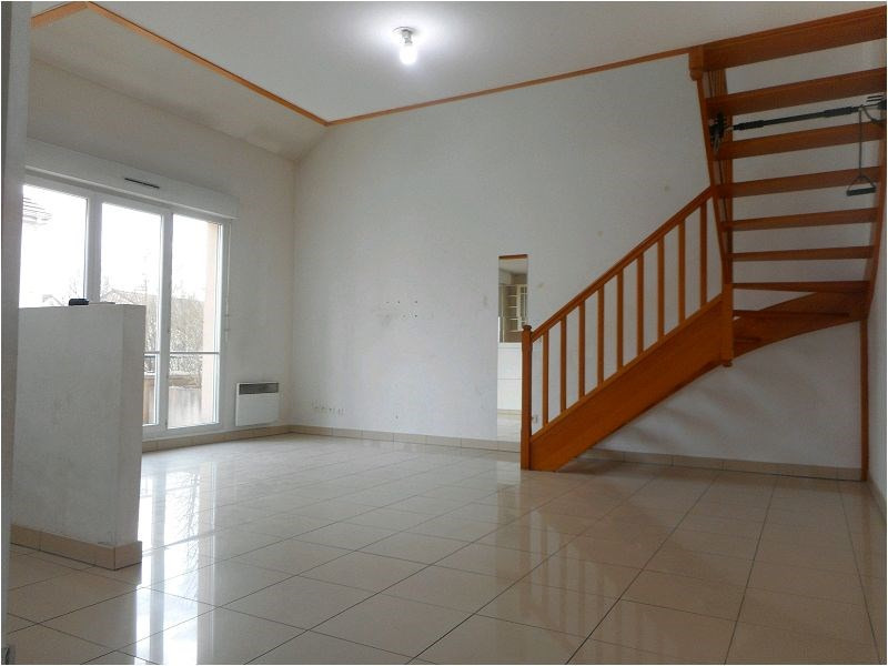 Rental apartment Tigery 976€ CC - Picture 1