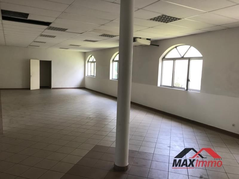 Location local commercial St denis 3500€ HT/HC - Photo 1