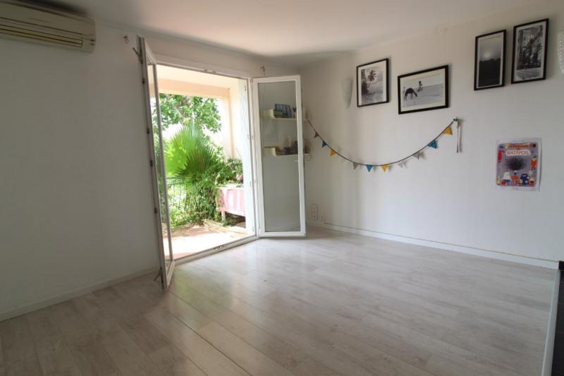 Vendita appartamento Hyeres 203300€ - Fotografia 3