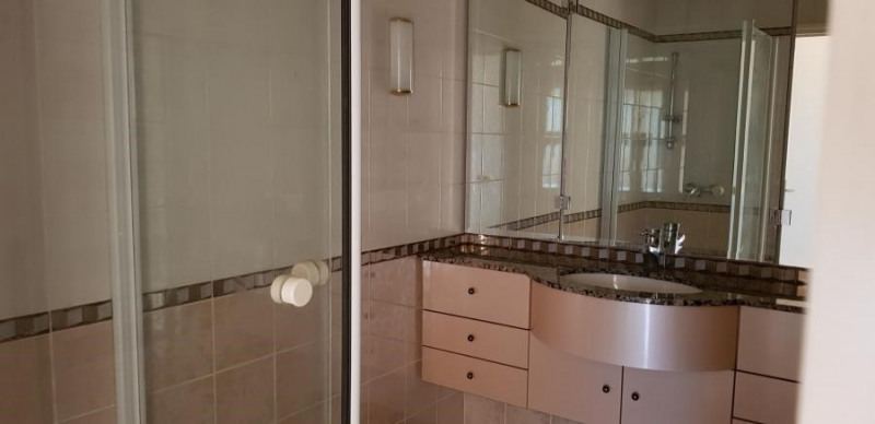 Sale apartment Bron 145000€ - Picture 3