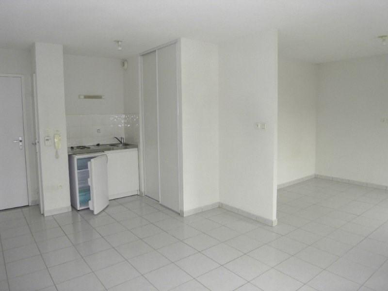 Location appartement Cognac 344€ CC - Photo 3