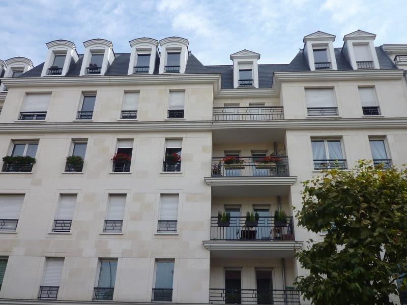 Rental apartment Le raincy 1240€ CC - Picture 1