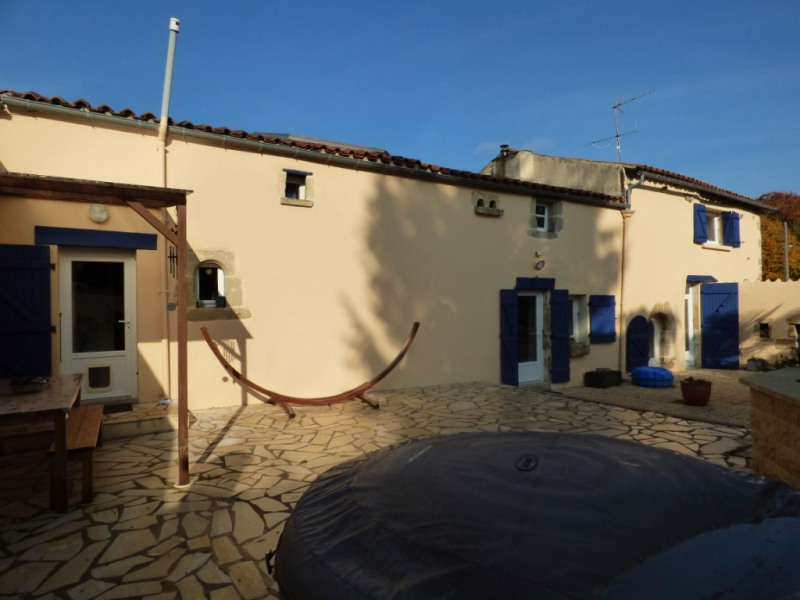 Vente maison / villa Mervent 153700€ - Photo 1