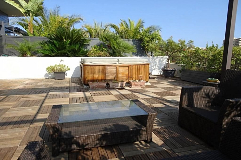 Sale apartment Antibes 985000€ - Picture 2