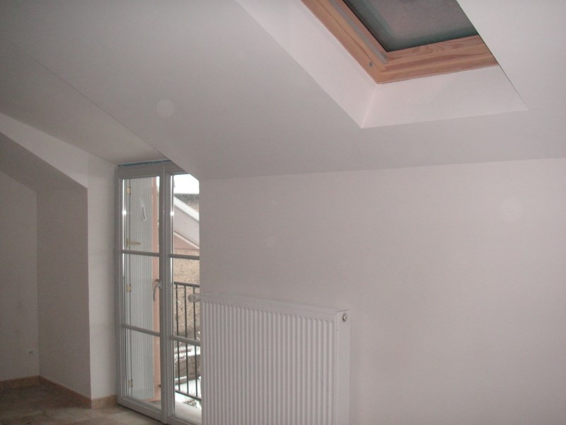 Location appartement Nantua 538€ CC - Photo 3