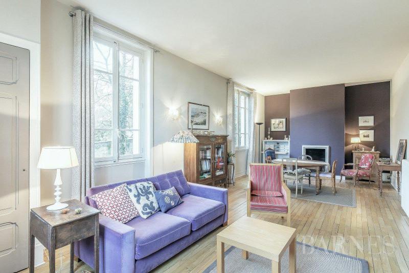 Deluxe sale house / villa Tassin-la-demi-lune 894000€ - Picture 1