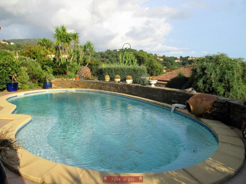 Deluxe sale house / villa Bormes les mimosas 990000€ - Picture 2