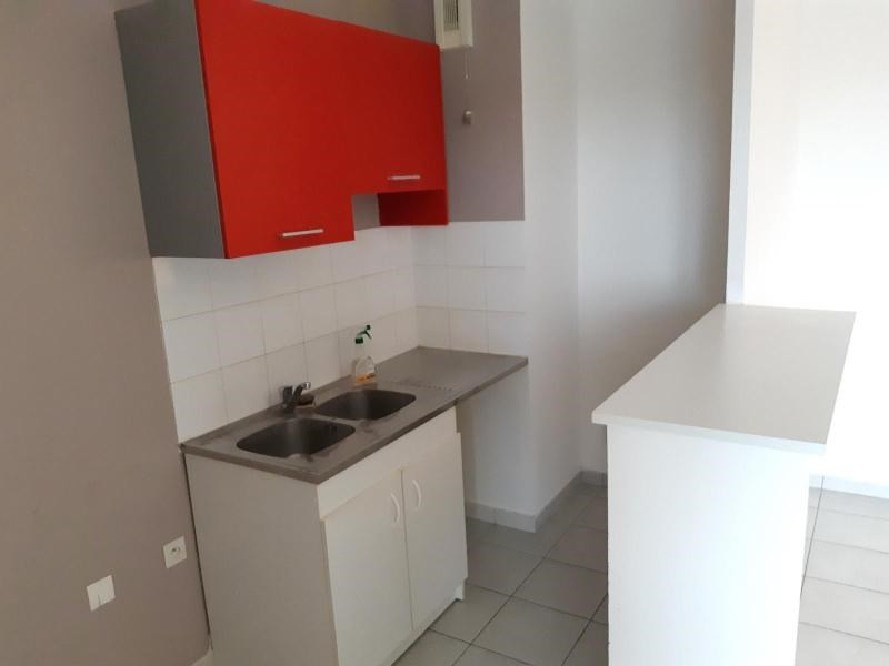 Location appartement Villefranche sur saone 680€ CC - Photo 4