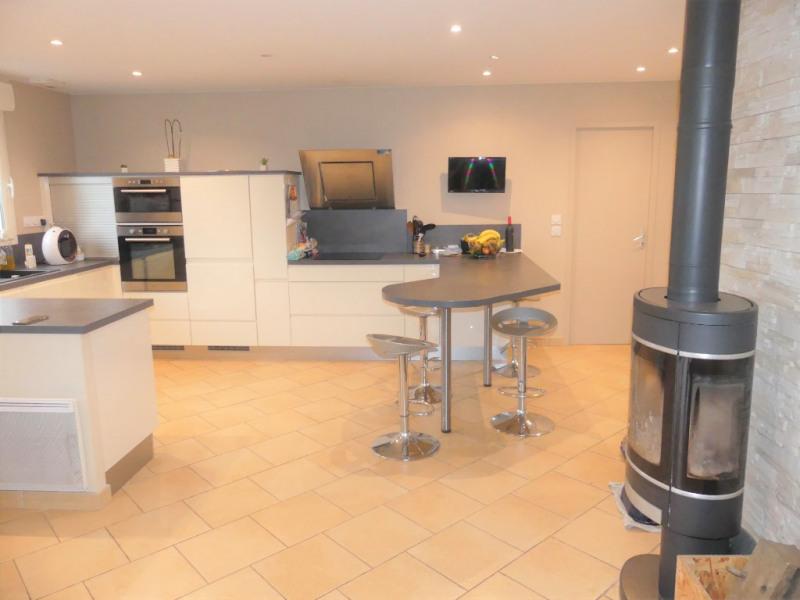 Sale house / villa Saint clement de la place 263600€ - Picture 2