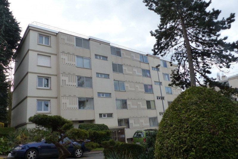 Sale apartment Gagny 157000€ - Picture 1