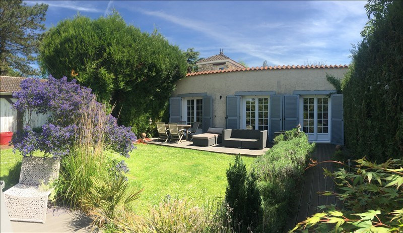 Sale house / villa Montfort-l'amaury 549 000€ - Picture 1