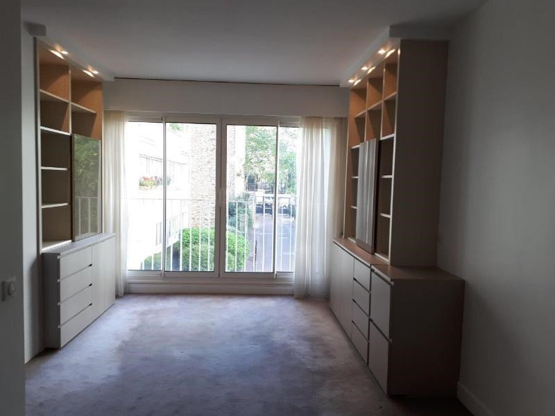 Location appartement Paris 16ème 1 360€ CC - Photo 1