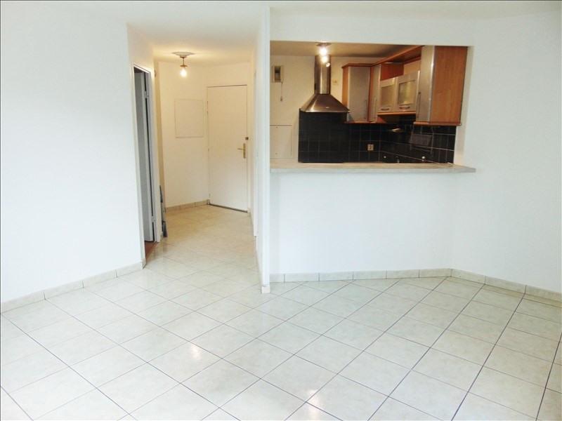 Rental apartment La plaine st denis 1070€ CC - Picture 1