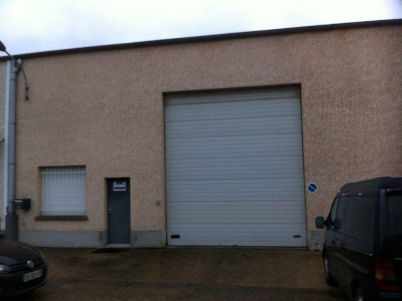 Rental empty room/storage Morainvilliers 2 501€ HC - Picture 1