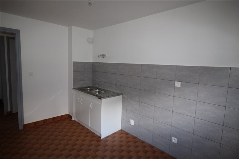 Rental apartment Sallanches 598€ CC - Picture 1