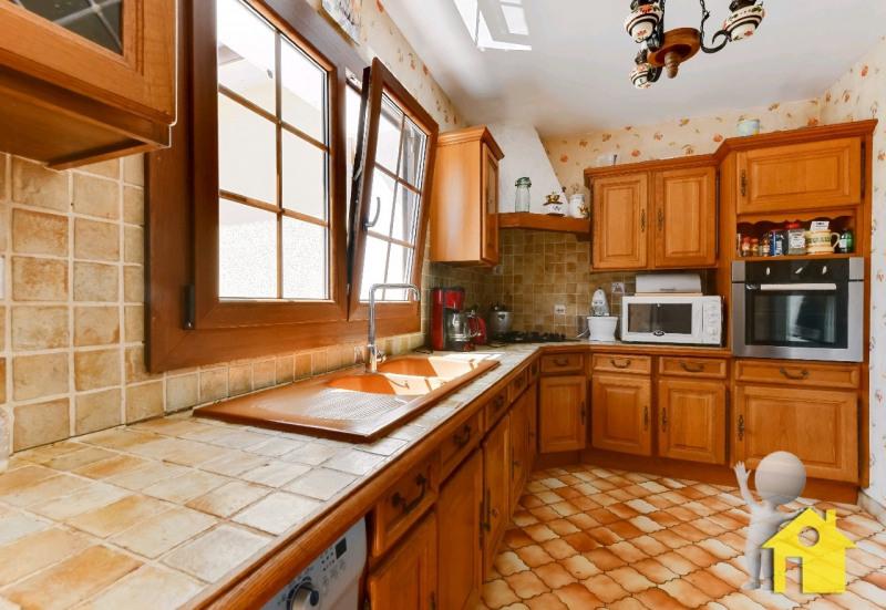 Sale house / villa Neuilly en thelle 395000€ - Picture 4