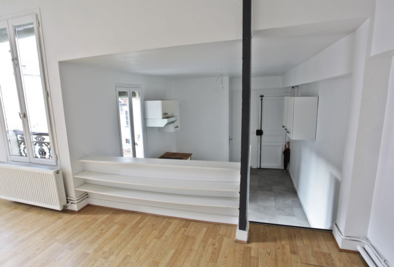 Sale apartment Paris 10ème 700000€ - Picture 5
