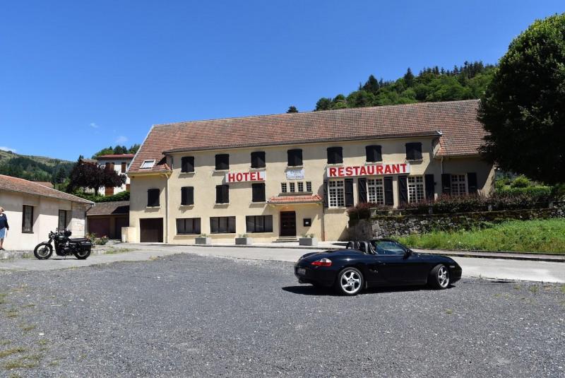 Sale house / villa Arcens 350000€ - Picture 1