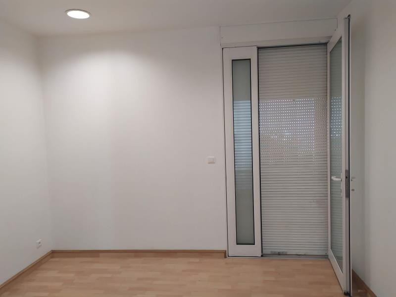Location local commercial Carbon blanc 350€ HT/HC - Photo 2