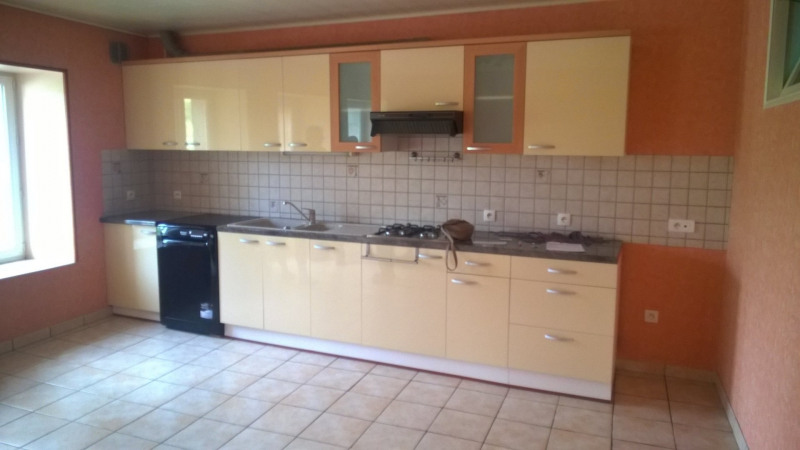 Location maison / villa Coubon 450€ CC - Photo 2