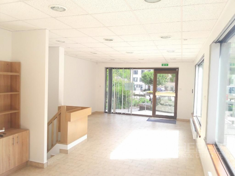 Location boutique Sallanches 975€ CC - Photo 1