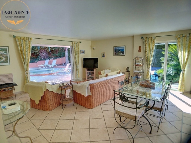 Sale house / villa Ste maxime 663 200€ - Picture 5