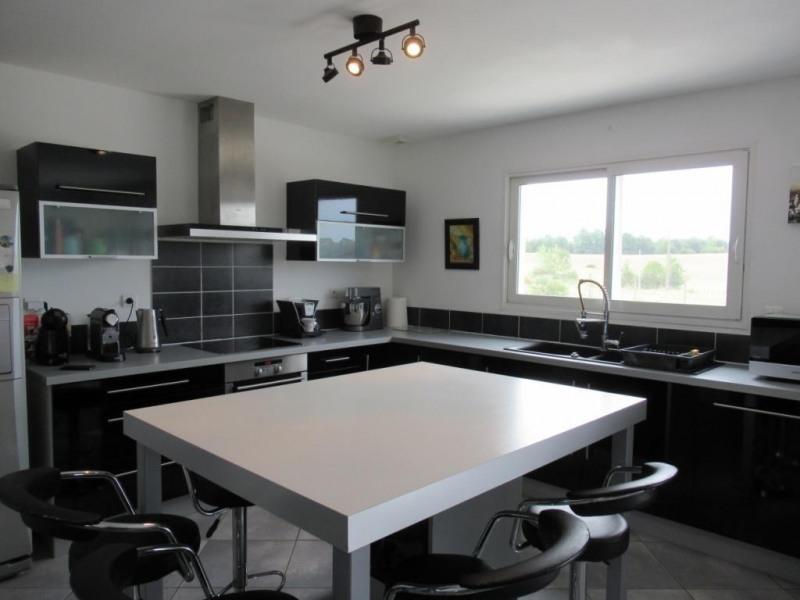 Sale house / villa Ginestet 254500€ - Picture 3