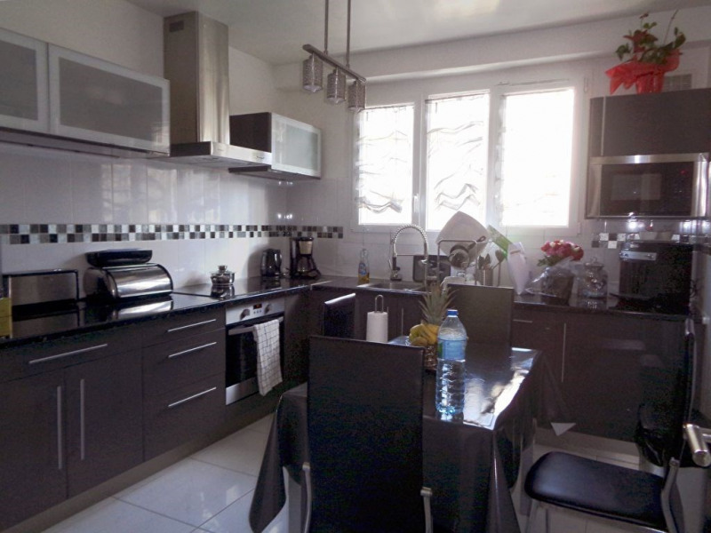 Sale house / villa Livry gargan 440000€ - Picture 6