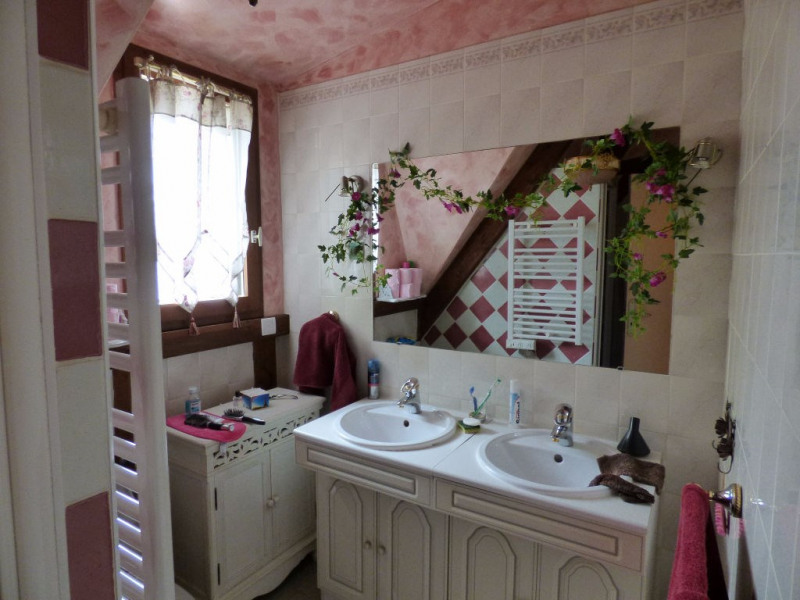 Vente maison / villa Les andelys 231000€ - Photo 5