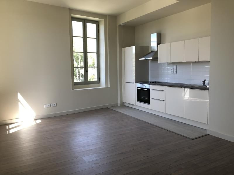 Location appartement Nimes 788€ CC - Photo 1