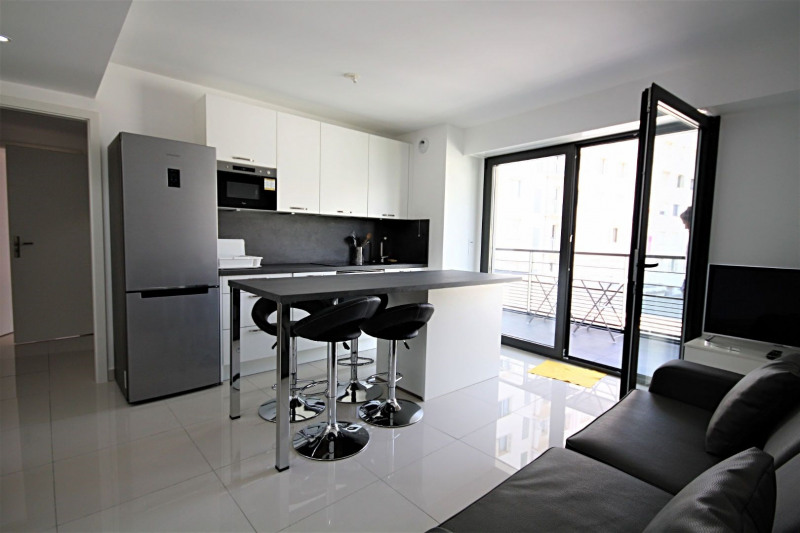 Vacation rental apartment Antibes  - Picture 3
