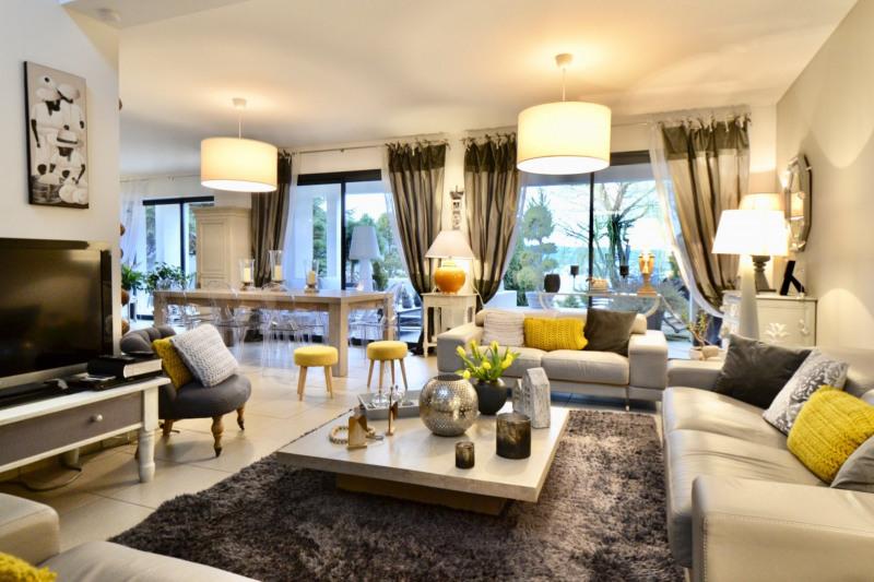 Deluxe sale house / villa St etienne 636000€ - Picture 5