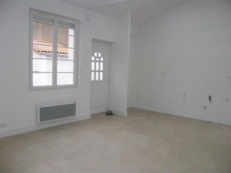 Sale house / villa Les sables-d'olonne 299000€ - Picture 2